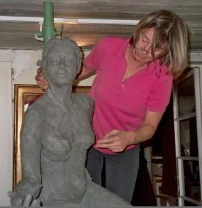 Annemarie Loos aan het werk